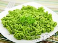 Гарнитура за  пиле и риба - пюре от зелен грах, сметана и мента